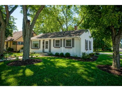 463 W 5th St  Oconomowoc, WI MLS# 1700833