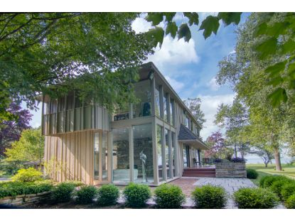 10804 N Lake View Rd  Mequon, WI MLS# 1701582