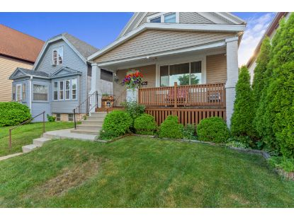 2515 S 6th St  Milwaukee, WI MLS# 1701944