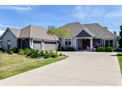 10518 N Burning Bush  Mequon, WI MLS# 1702316