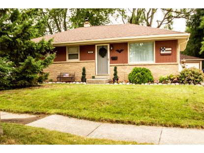 8832 W Kiehnau Ave  Milwaukee, WI MLS# 1702579