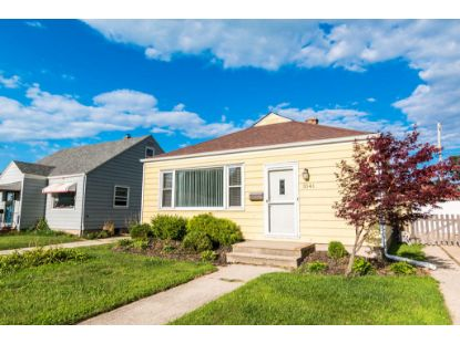 3541 11th Ave  Kenosha, WI MLS# 1702647