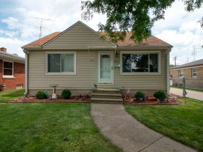 5523 39th Ave  Kenosha, WI MLS# 1702785