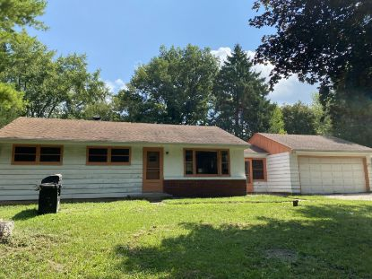 S82W13212 Acker Dr  Muskego, WI MLS# 1703471