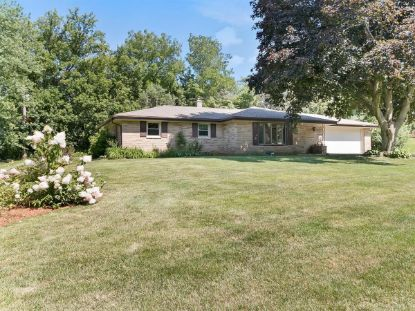 5770 S St Andrews Dr  New Berlin, WI MLS# 1703491