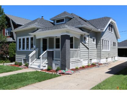 3294 S Kinnickinnic Ave  Milwaukee, WI MLS# 1703992