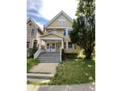 2524 N Oakland Ave  Milwaukee, WI MLS# 1704227