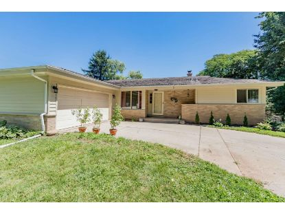 1920 Lone Oak Cir W  Brookfield, WI MLS# 1704541