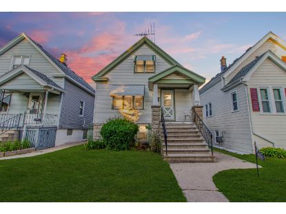 2858 S 9th St  Milwaukee, WI MLS# 1704609