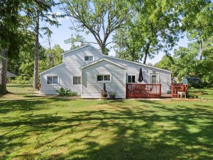 26730 Oak Ln  Waterford, WI MLS# 1706100