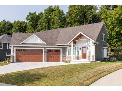 1519 Red Oak Dr  Hartford, WI MLS# 1706807