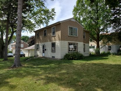 8001 W Keefe Ave  Milwaukee, WI MLS# 1707235