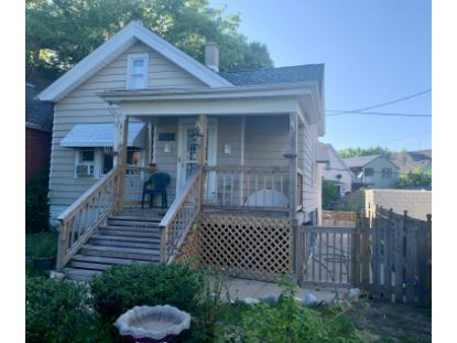926 W Windlake Ave  Milwaukee, WI MLS# 1707254