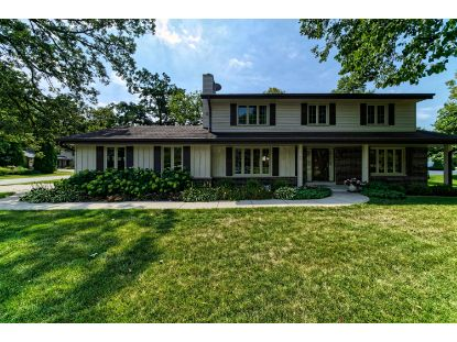 3160 S Manor Dr  New Berlin, WI MLS# 1707339