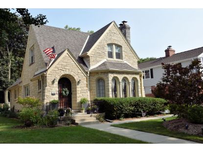 7306 Grand Pkwy  Wauwatosa, WI MLS# 1708166
