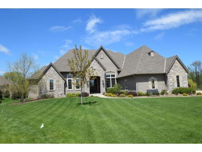 W247N2177 Lone Oak Ct  Pewaukee, WI MLS# 1708646