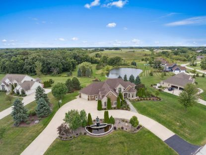 5924 Stefanie Way  Caledonia, WI MLS# 1710140