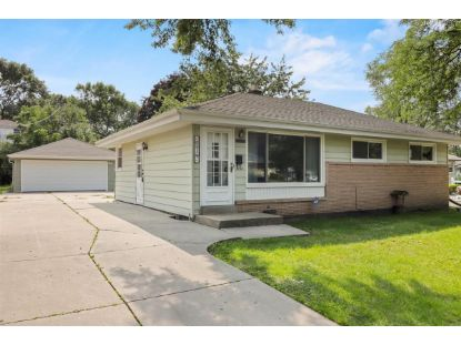 10519 W Caldwell Ave  Milwaukee, WI MLS# 1710297