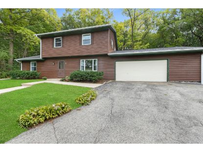 S72W30927 Kettle Ridge Dr  Mukwonago, WI MLS# 1710465