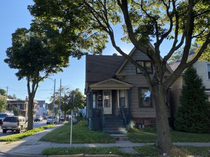 1900 S 26th St  Milwaukee, WI MLS# 1710494
