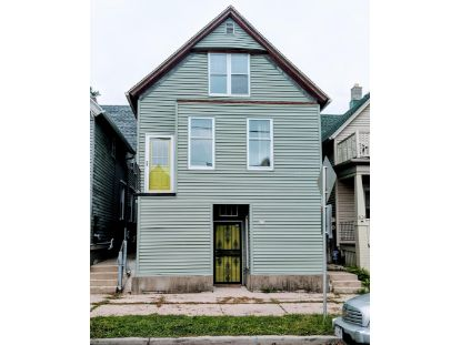 820 E Wright St  Milwaukee, WI MLS# 1710512