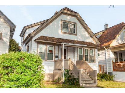 2941 S 9th St  Milwaukee, WI MLS# 1711445