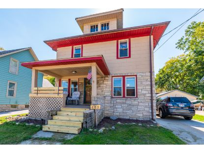 723 Summit Ave.  Waukesha, WI MLS# 1712200