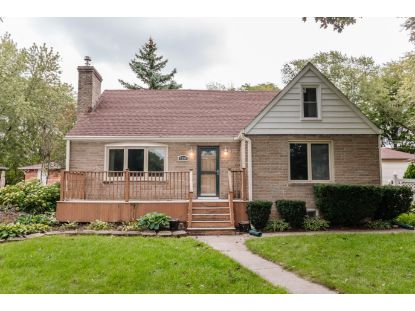 4260 N 93rd St  Wauwatosa, WI MLS# 1712842