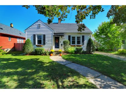 7945 26th Ave  Kenosha, WI MLS# 1713273