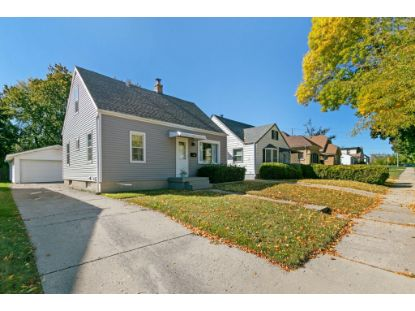 135 E Ohio Ave  Milwaukee, WI MLS# 1713334