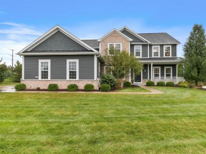 11402 N Oakview Ct  Mequon, WI MLS# 1714088