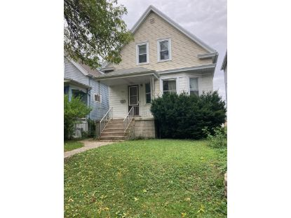 2935 S 11th St  Milwaukee, WI MLS# 1714136