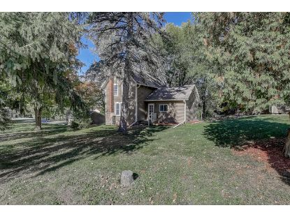 21785 MARY LYNN DR  Brookfield, WI MLS# 1714140