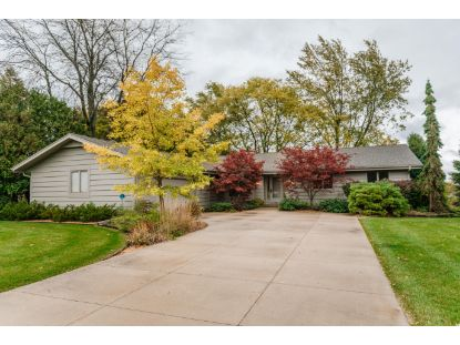 3427 W Clubview Ct  Mequon, WI MLS# 1714448