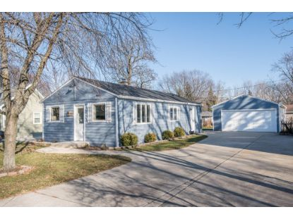 2428 N 2nd Ln  Oconomowoc, WI MLS# 1714753