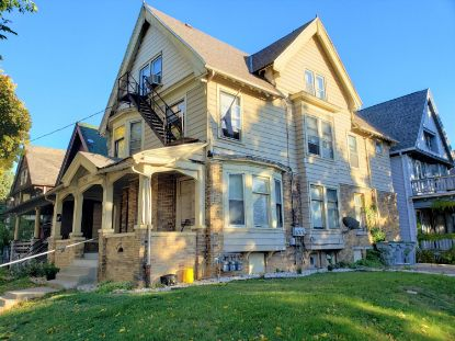 3231 W Michigan St  Milwaukee, WI MLS# 1714824