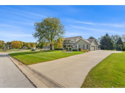 13925 W Sun Valley Dr  New Berlin, WI MLS# 1714841