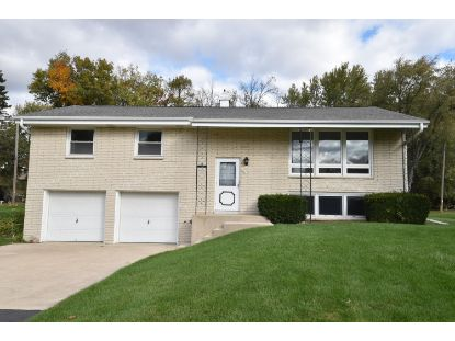 4770 S Courtland Pkwy  New Berlin, WI MLS# 1714890