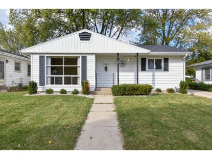 5620 44th Ave  Kenosha, WI MLS# 1715092