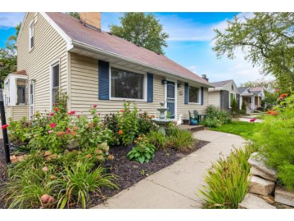 2521 N 113th St  Wauwatosa, WI MLS# 1715409