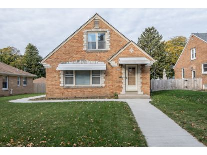 2807 N 89th St  Milwaukee, WI MLS# 1715457
