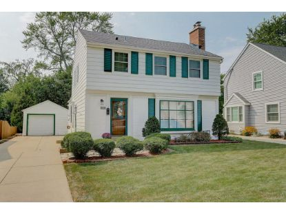 2425 N 90th St  Wauwatosa, WI MLS# 1715509