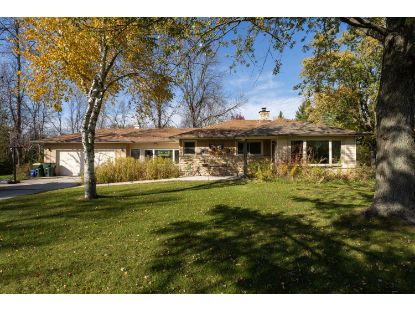 1812 W Ranch Rd  Mequon, WI MLS# 1715519