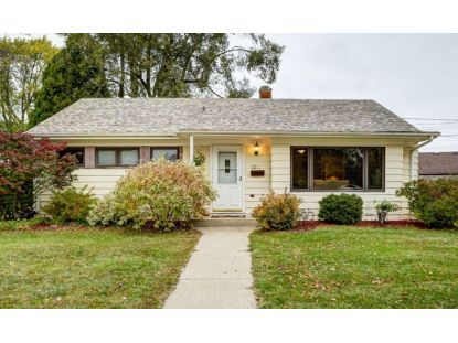 3211 Lakeview Cir  Racine, WI MLS# 1715968