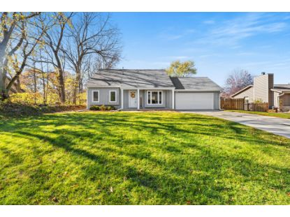 W233N6805 Candlewick Dr  Sussex, WI MLS# 1716883