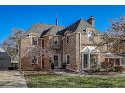 1520 Ridge Ct  Wauwatosa, WI MLS# 1717595