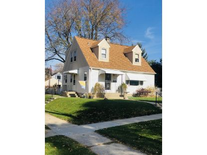 7730 W Keefe Ave  Milwaukee, WI MLS# 1717993