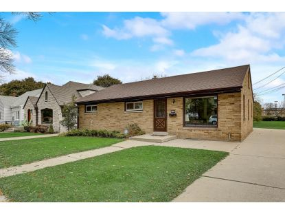 3218 S 31st St  Milwaukee, WI MLS# 1718348