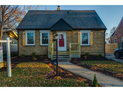 2313 Lincoln Rd  Kenosha, WI MLS# 1718822