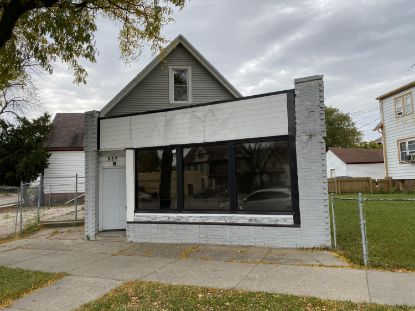 907 W Atkinson Ave  Milwaukee, WI MLS# 1718942